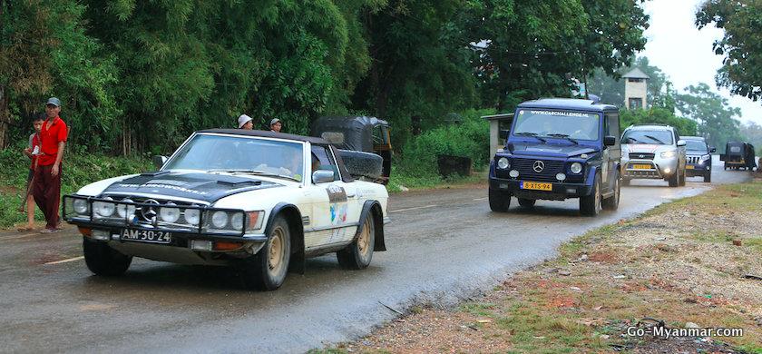 Overland car tour